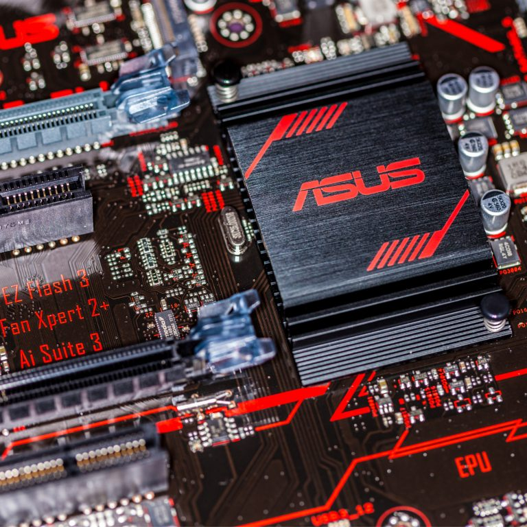 Bitcoin in Brief Thursday: Asus Creates 20-GPU Mining Motherboard